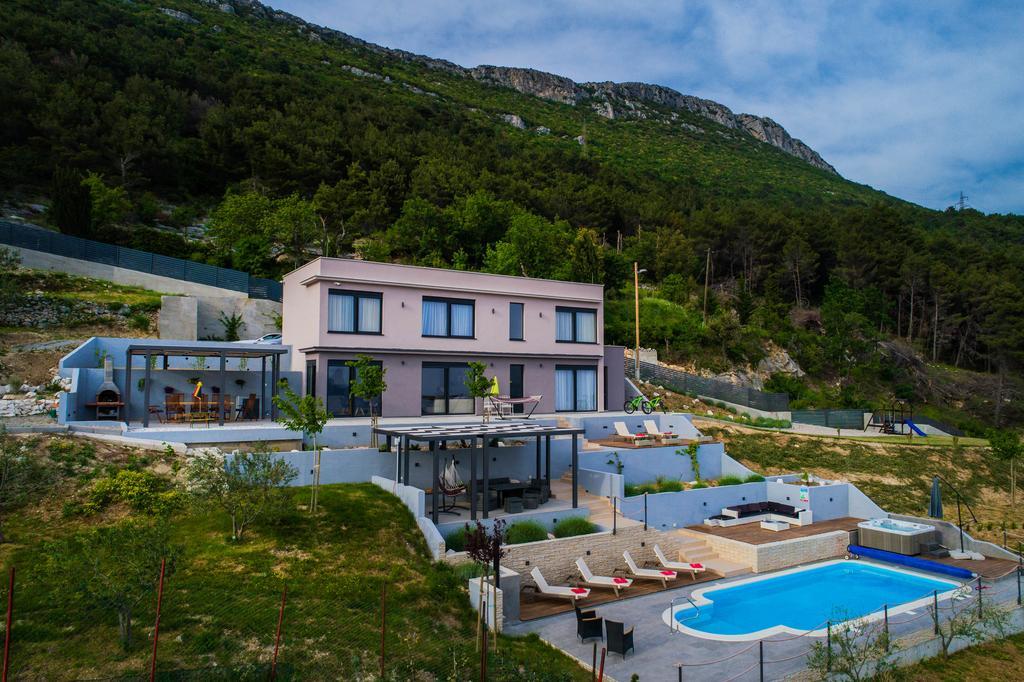 Villa in Split, Sea View