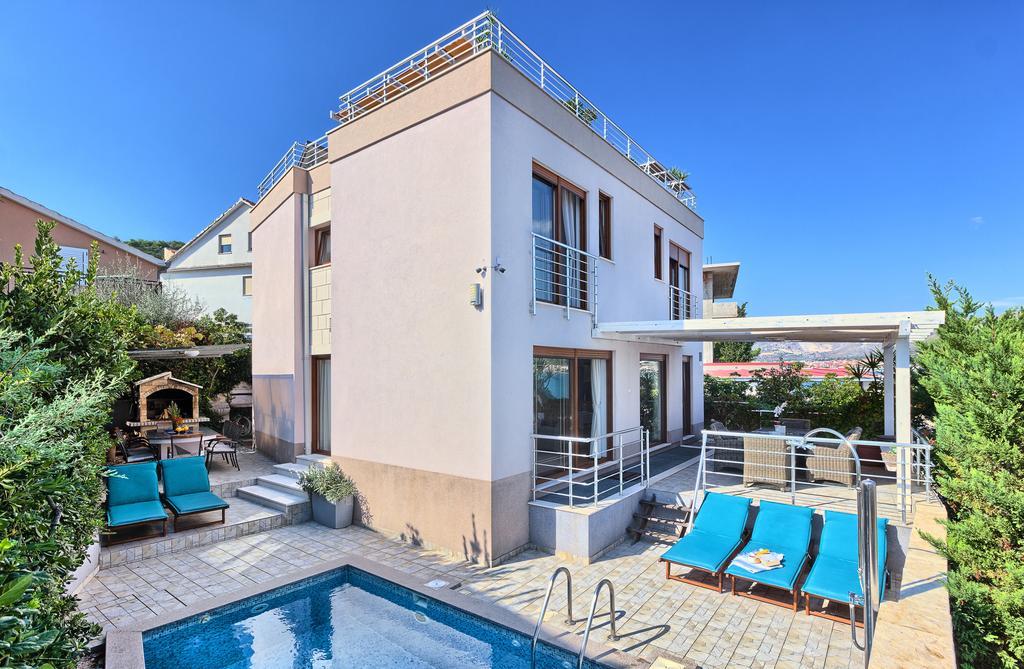 Sea Front House in Split