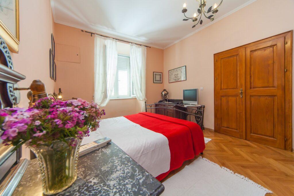 Hotel I Restaurant in Dubrovnik Old Town