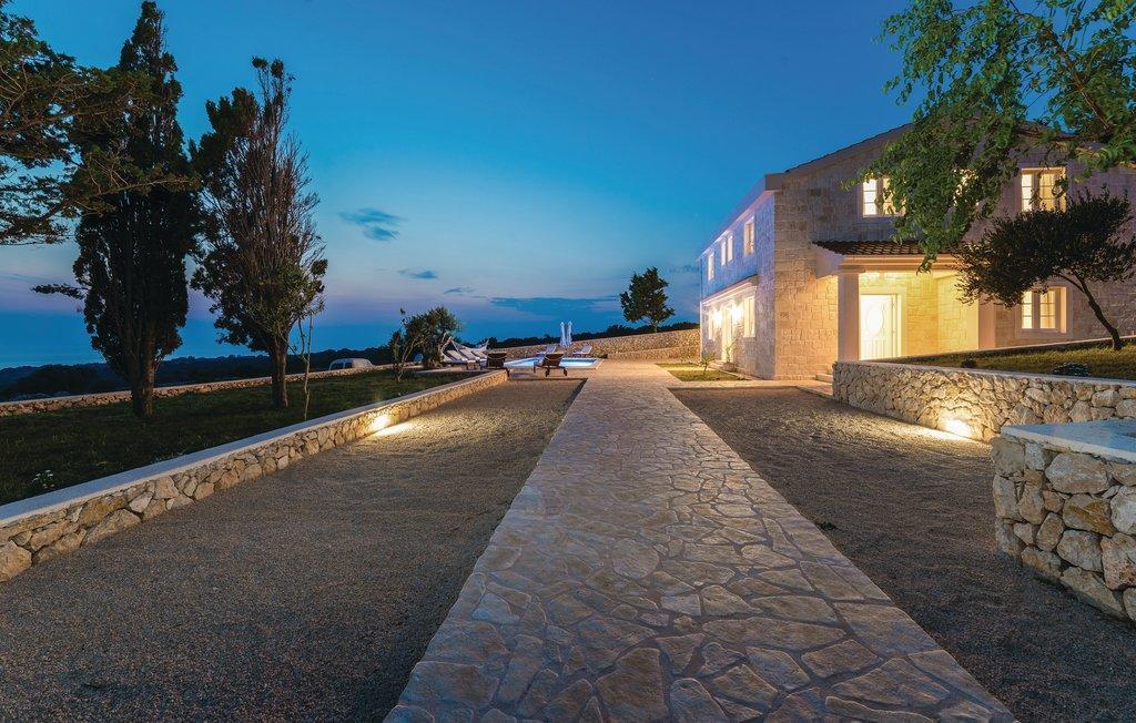 Stone Villa in Novalja