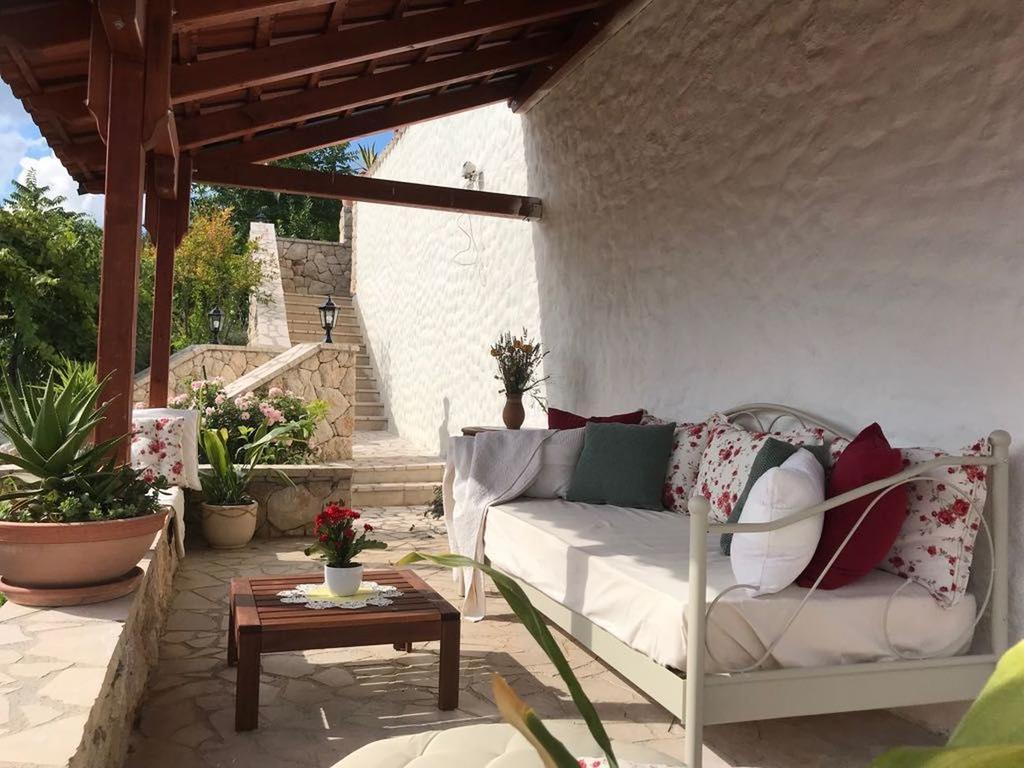 3 Stone Houses in Split Region 17