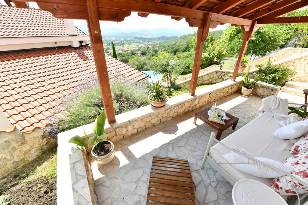 3 Stone Houses in Split Region 24