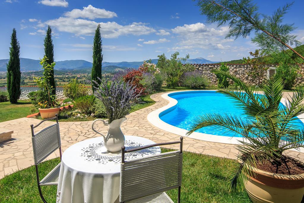 3 Stone Houses in Split Region 26