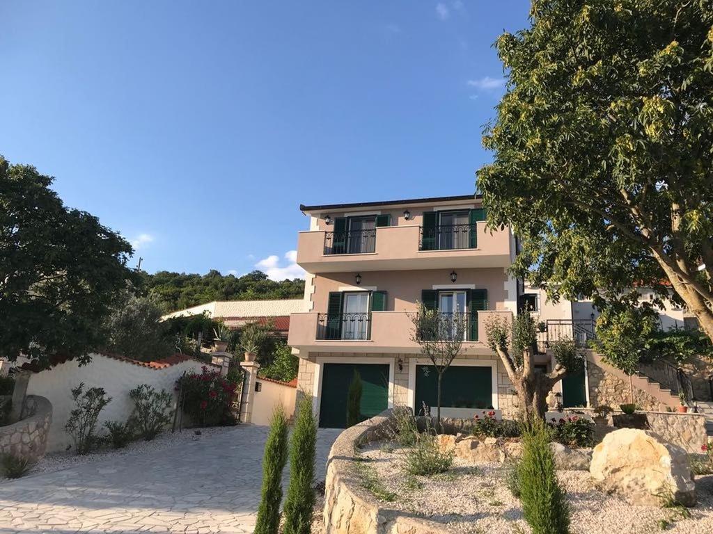 3 Stone Houses in Split Region 27