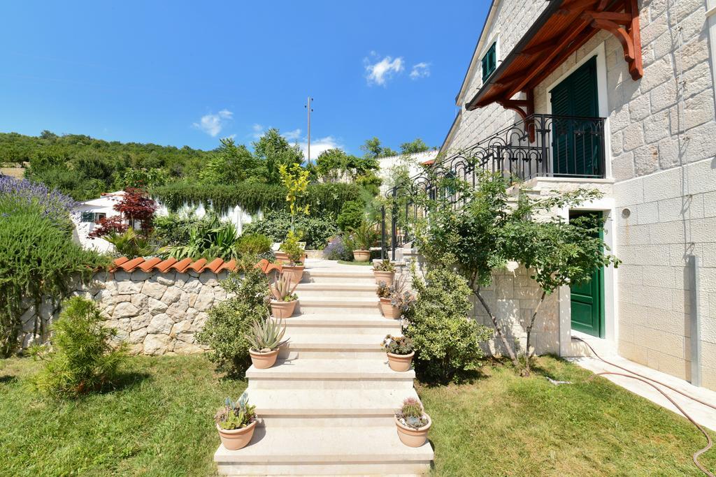 3 Stone Houses in Split Region 29