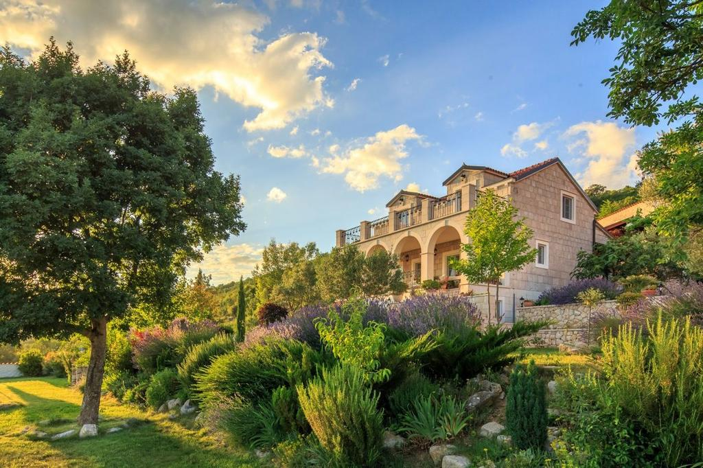 3 Stone Houses in Split Region 2