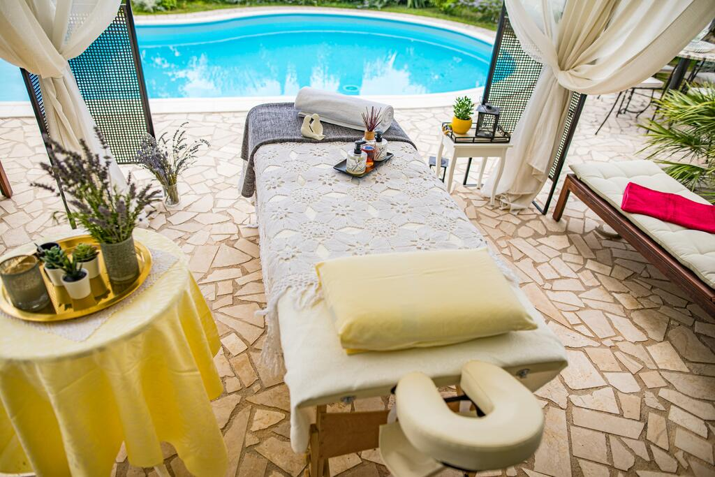 3 Stone Houses in Split Region 38