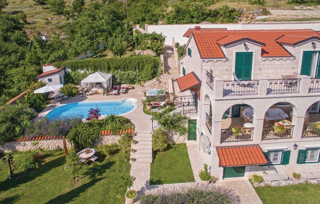 3 Stone Houses in Split Region 6