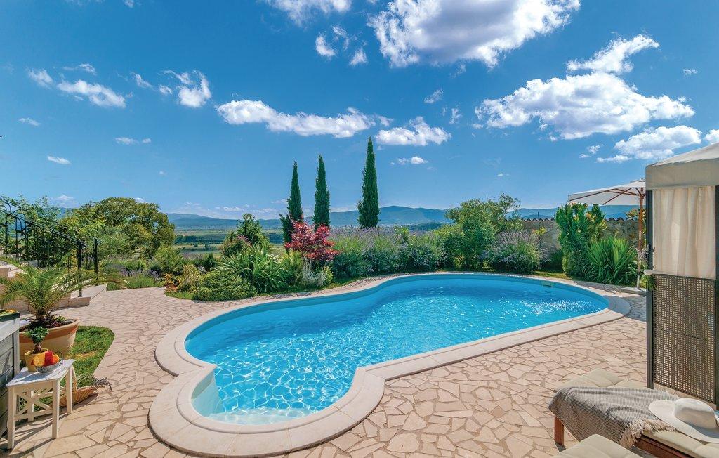 3 Stone Houses in Split Region 8
