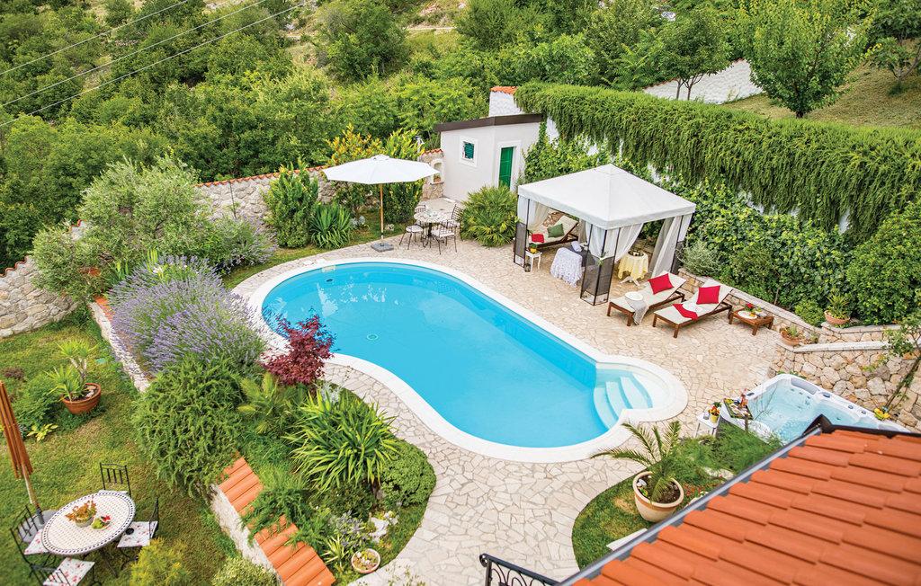 3 Stone Houses in Split Region