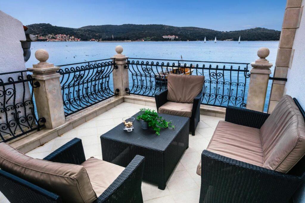 Seafront House Vis Island Croatia