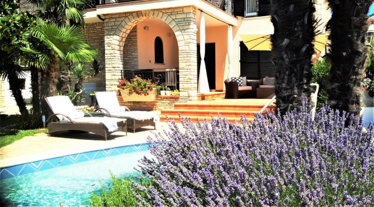 Seafront house in Istria, Umag, garage, pool, Croatia for sale